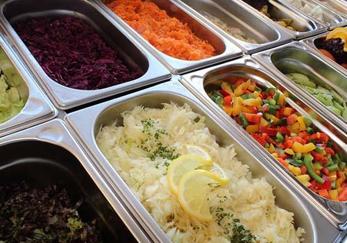 Les déchets alimentaires et les emballages en restauration collective : l'addition est-elle trop salée ?